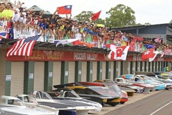 Australian Solar Challenge Race Begins – Pictures 1
