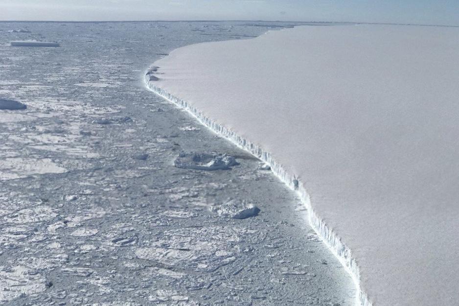 Newsfeeds24.com, Newsfeed24, Weather, Iceberg, Operation IceBridge, Antarctica, Larsen C,NASA,