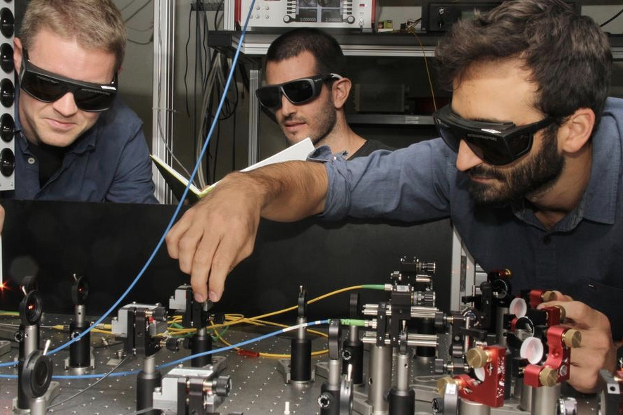 The First Hybrid Link For A Quantum Internet 1