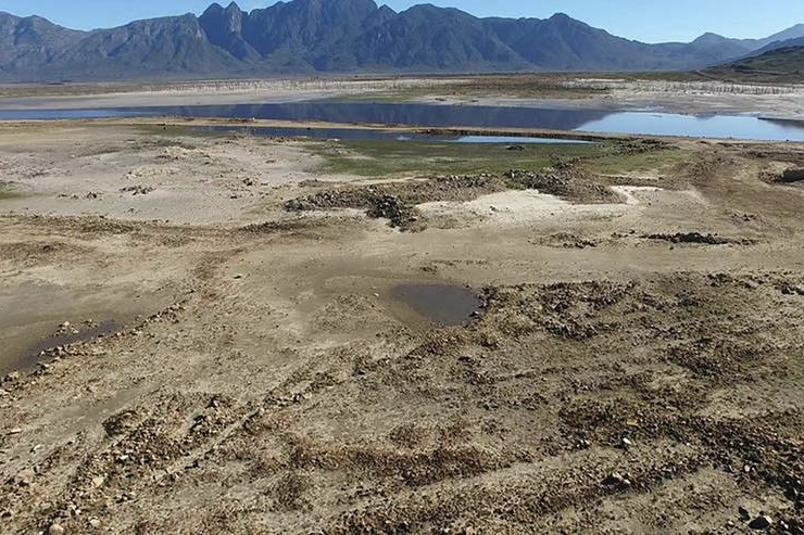 City of Cape Town, Air Water, Table Mountain, Water supply, Theewaterskloof Dam, South Africa, Water, Drought, Cape Town, Newsfeeds24,News,
