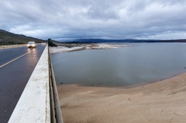 Water crisis, Newsfeeds24, News, Water, Theewaterskloof Dam, South Africa, Drought, Water restriction,Cape Town,