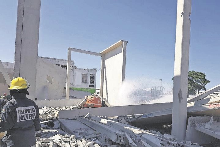 Durban Building Collapse, Two Dead And Five Injured 1