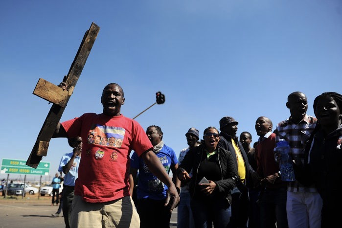Video: Protea Glen Residents, Ironically, Fear For Their Livelihood As It Becomes Battle Ground For Illegal Land Grabs 1