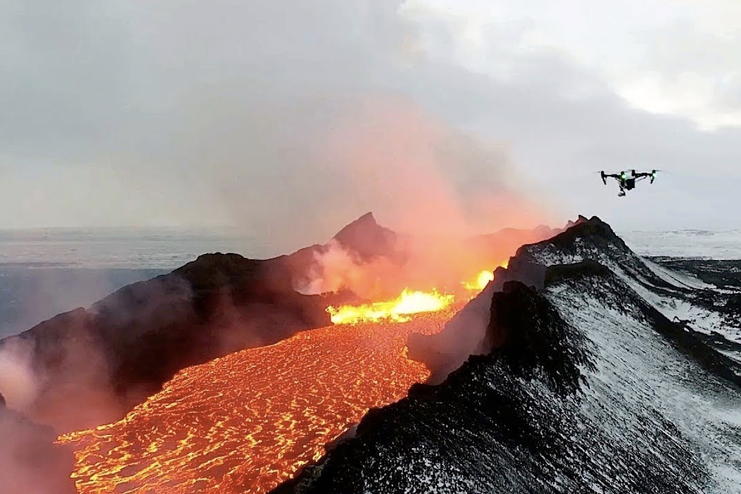 Drone Footages Helps Saves Hawaiians Trapped By Lava 1