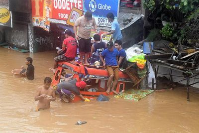 Video: 180 Dead As Tropical Storm Tembin Sweeps Through The Philippines