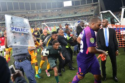 Video: Moses Mabhida violence: 2 appear in court and Komphela resigns from Chiefs