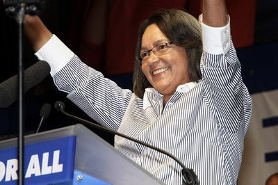 Video: De Lille's Position As Mayor Is Safe... For Now