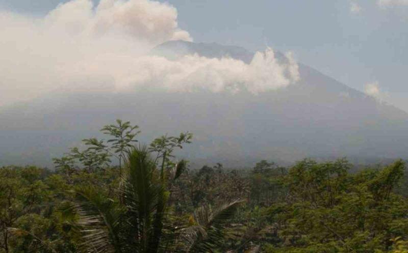 Volcano Watch - Mount Agung, Bali 1
