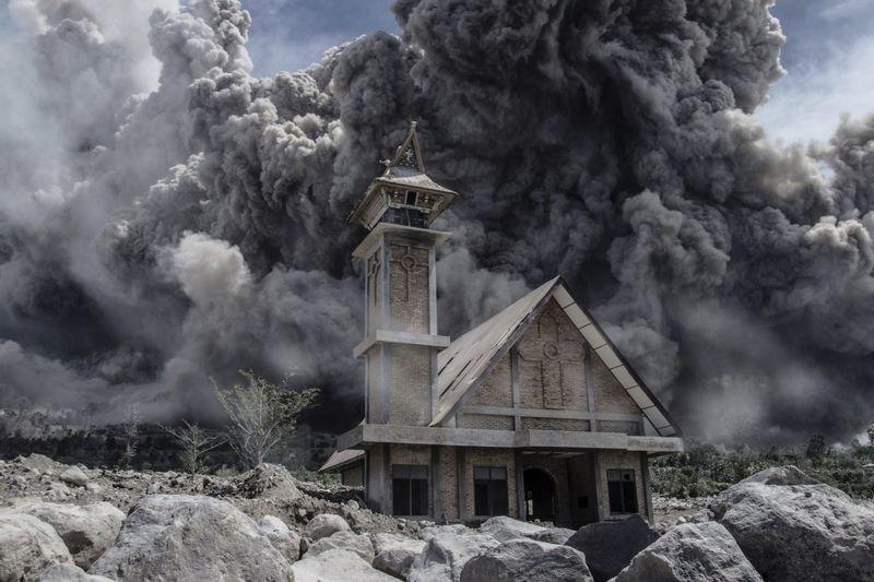 Video: Volcano Watch: Mount Sinabung Erupts 1