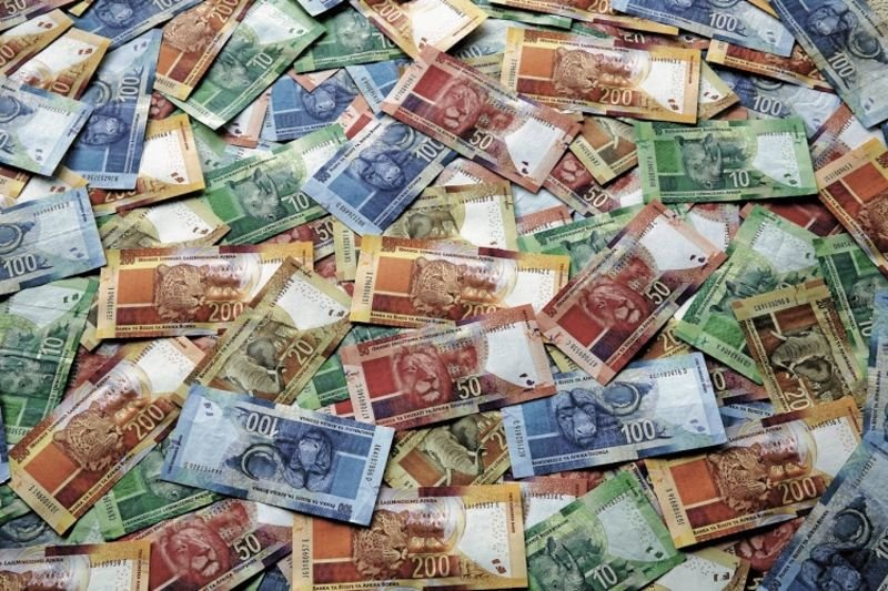 Dollar Strenghts Hold As Rand Trades Weaken 1