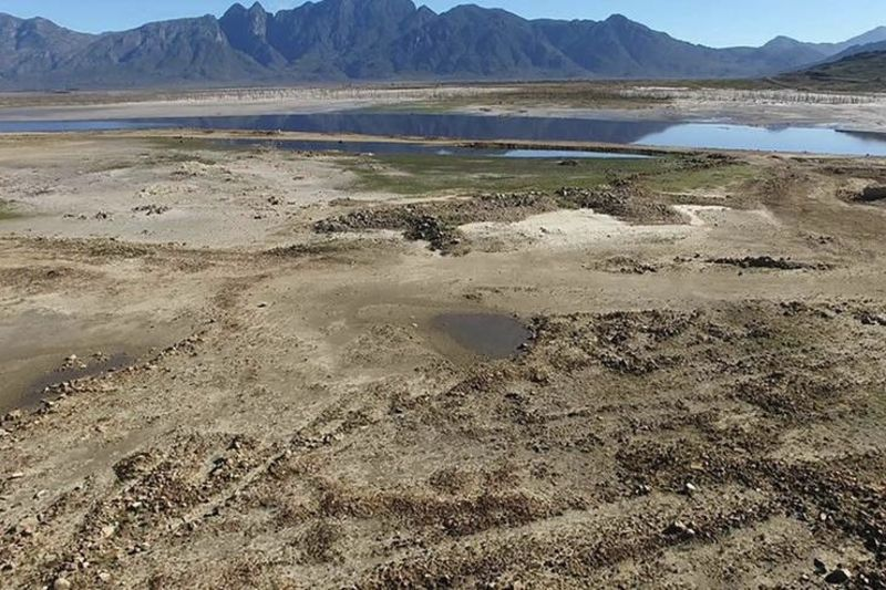Footage: The Theewaterskloof Dam Is Only 16.8% Full 1