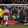 Video: Petr Cech Claims 200 Premier League Clean Sheets 2