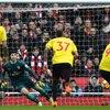 Video: Petr Cech Claims 200 Premier League Clean Sheets 4